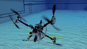 dron-under-water